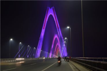 Kilau baru Mengukir Langit Hanoi dari Philips Lighting